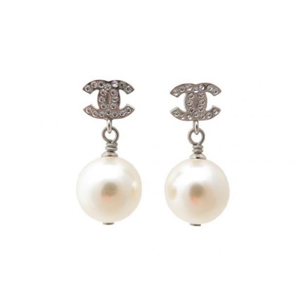 Boucle d'oreille chanel avec perle