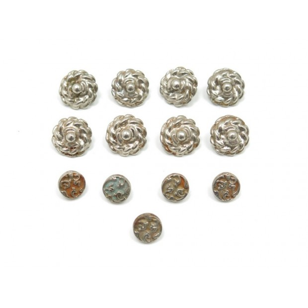 LOT 13 BOUTONS CHANEL