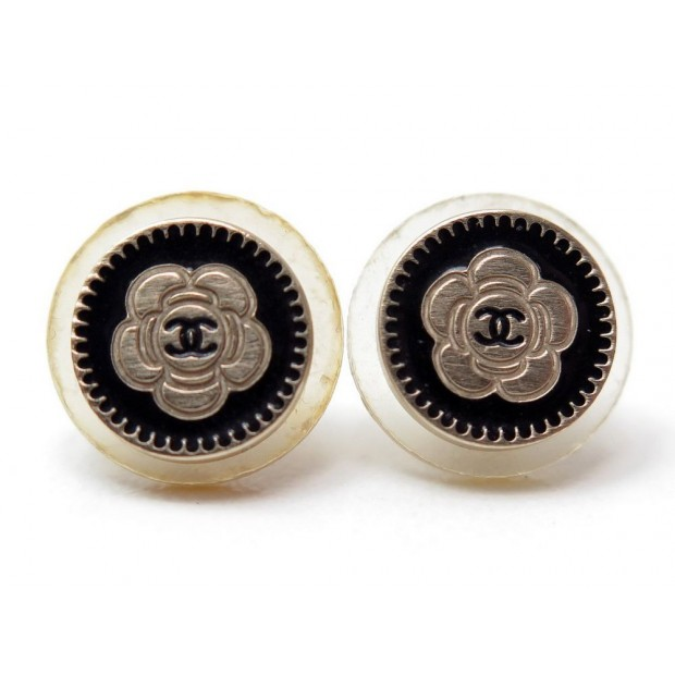 BOUCLES D'OREILLES CHANEL PUCES A CLOU CAMELIA AVEC LOGO CC EARRINGS 390€