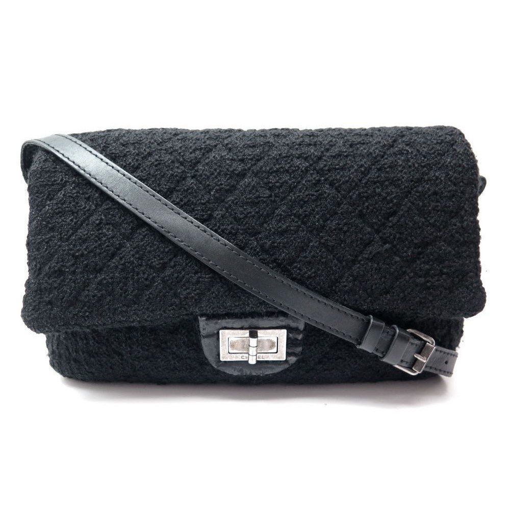 438ac8c24d1c SAC A MAIN CHANEL 2.55 FERMOIR MADEMOISELLE EN TWEED LAINE NOIR. Loading  zoom