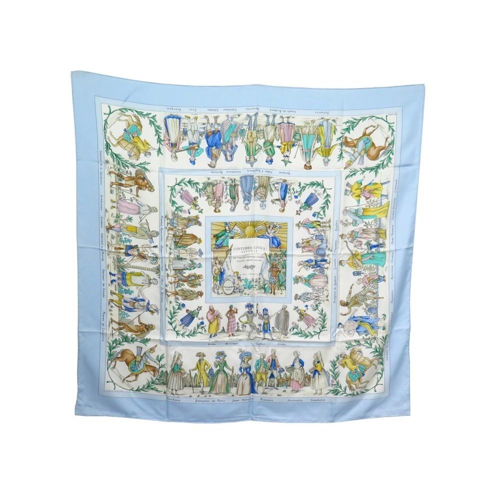 foulard hermes costumes civils actuels carre soie 24a24475c83