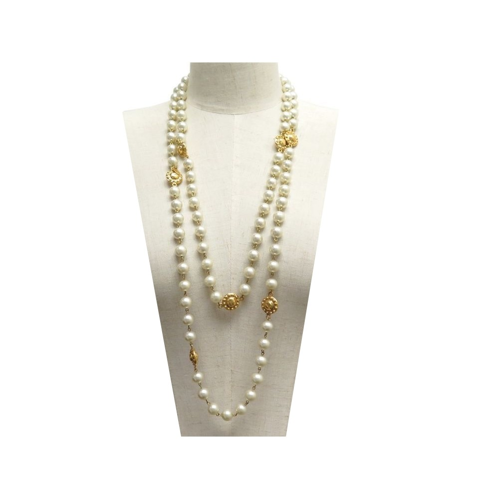 COLLIER CHANEL SAUTOIR EN PERLES DE VERRE   METAL DORE PEARLS NECKLACE  1690€. Loading zoom c9ee9b678d3