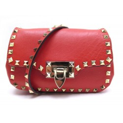 SAC A MAIN VALENTINO ROCKSTUD BANDOULIERE EN CUIR ROUGE RED LEATHER HANDBAG 920€