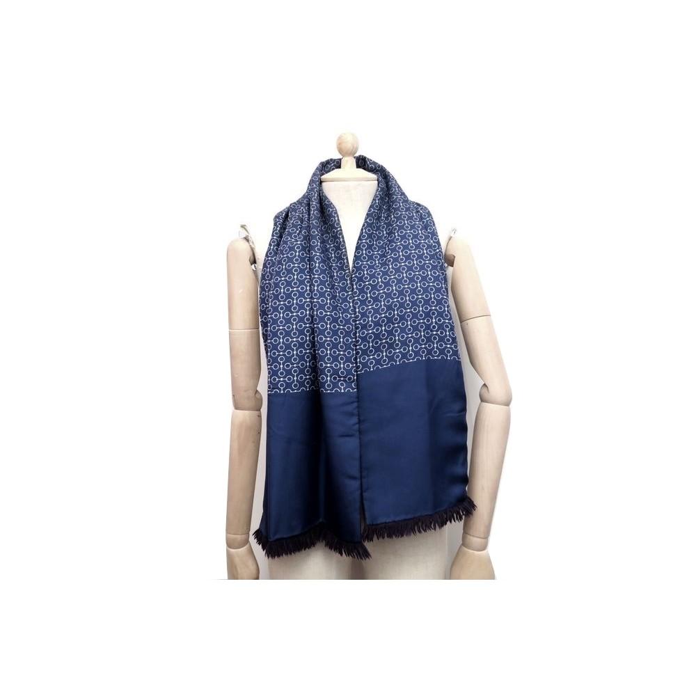 regard détaillé Quantité limitée 2019 real echarpe hermes en soie et laine angora bleu 145 cm