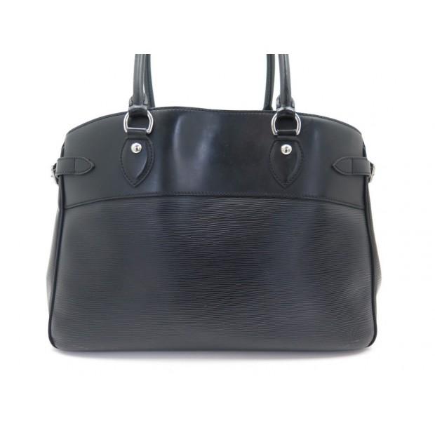 SAC A MAIN LOUIS VUITTON PASSY GM EN CUIR EPI NOIR BLACK LEATHER HAND BAG 1980€