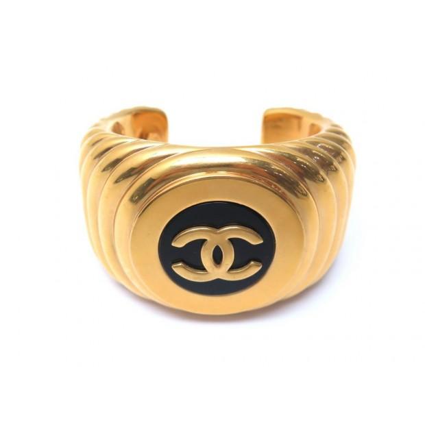 BRACELET CHANEL MANCHETTE LOGO CC T17 EN METAL DORE GOLDEN BANGLE JEWEL 1250€