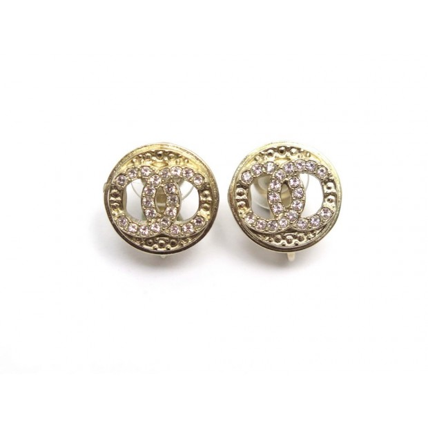 NEUF BOUCLES D'OREILLES CHANEL PUCES LOGO CC STRASS EN METAL DORE EARRINGS 390€