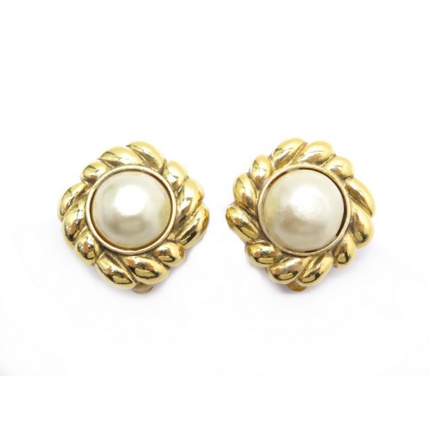 VINTAGE BOUCLES D'OREILLE CHANEL PERLE EN METAL DORE + BOITE PEARL EARRINGS 590€