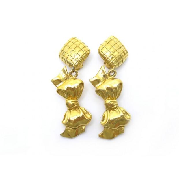 VINTAGE BOUCLES D'OREILLES CHANEL NOEUD METAL DORE + BOITE GOLDEN EARRINGS 570€