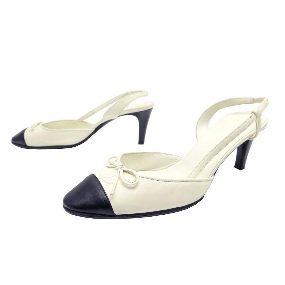 Chaussures Chanel 40 Escarpins En Cuir Ecru Noir