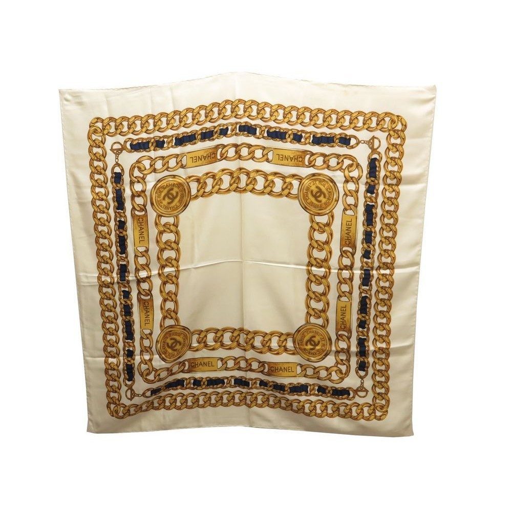 foulard chanel carre 90 cm chaine gourmette medaillon be2f515fc13