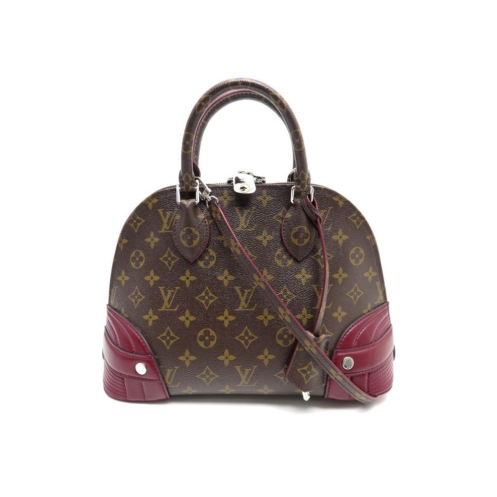 25cf26698350a NEUF SAC A MAIN LOUIS VUITTON ALMA M41344 2180€. Loading zoom
