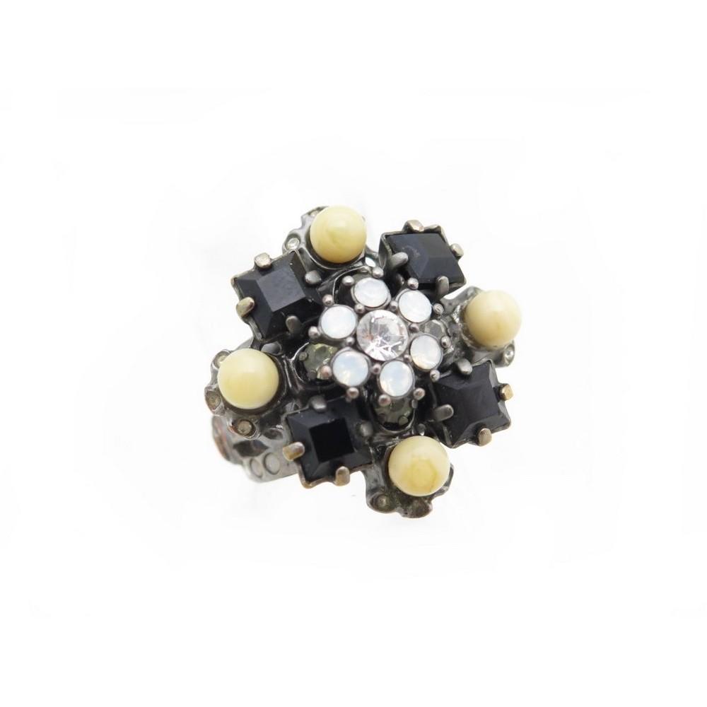 da72a76d4fb bague chanel t 52 en metal argente avec pierres noires