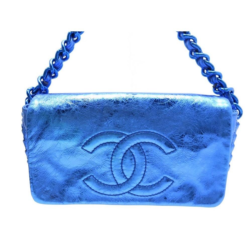 cfba3355e7 sac a main chanel chaine logo cc en cuir bleu