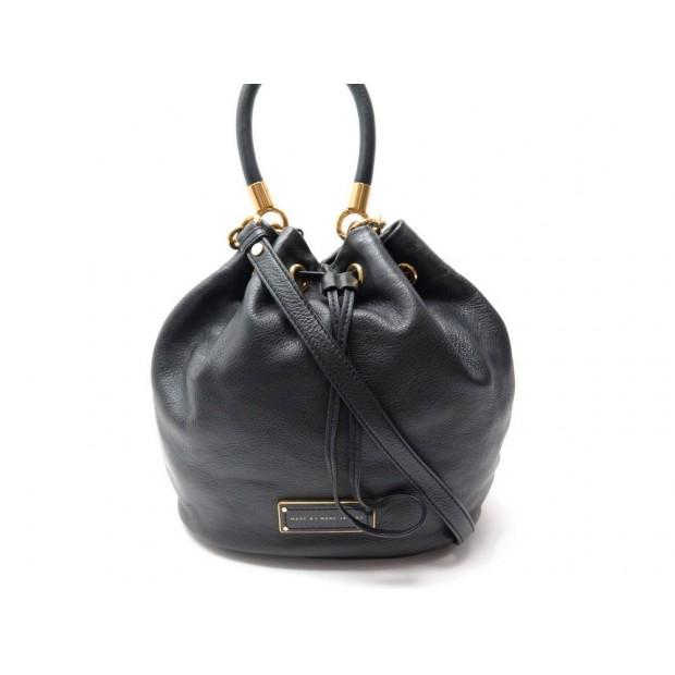 6af9e9044d19bf sac a main marc by marc jacobs type seau cuir noir