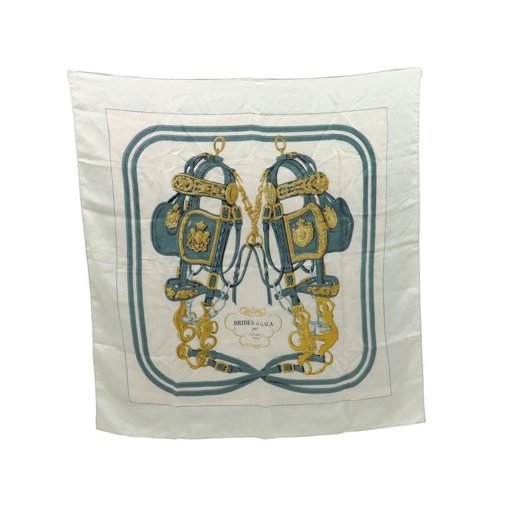 39ee503ed9d foulard hermes brides de gala en soie blanc carre 90